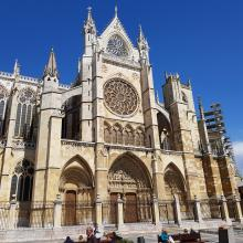 cathedral of leon facade